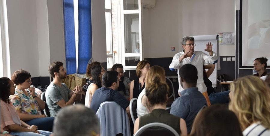 https://www.hypnose-medicale.fr/agenda/Formation-a-l-Hypnose-Medicale-dans-la-prise-en-charge-du-patient-douloureux-2eme-Session_ae702145.html